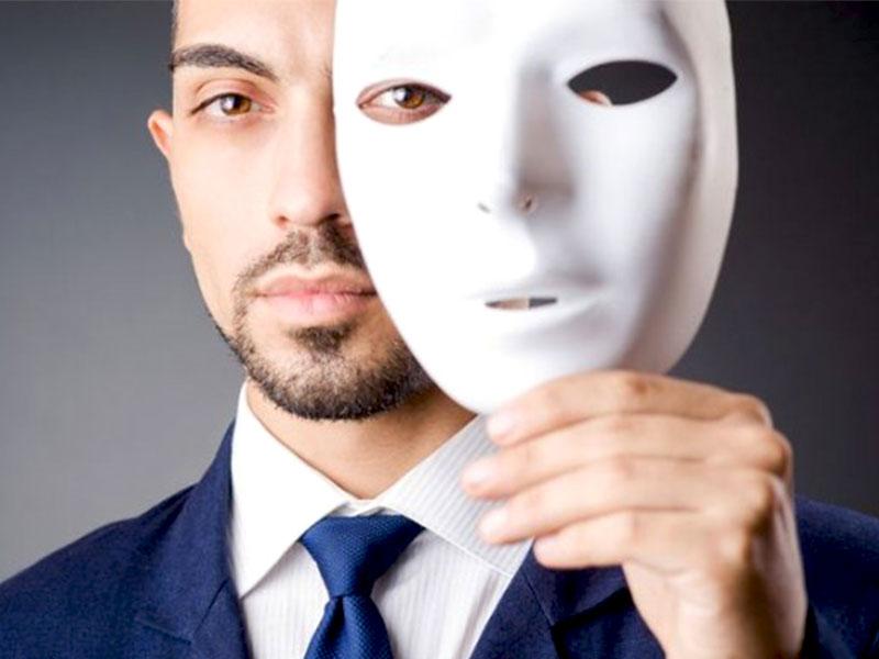 Une pratique très courante des centres d'appels est que les téléagents se présentent sous des fausses identités. Cependant, cette façon de faire est très critiquée à tort. Voyons pourquoi l'utilisation des fausses identités est nécessaire.