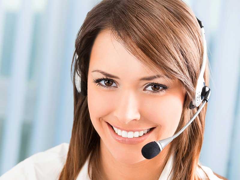 Lorsque les experts sont absents, une télésecrétaire spécialisée permettra aux appelants d'être accueillis par téléphone par un service professionnel.