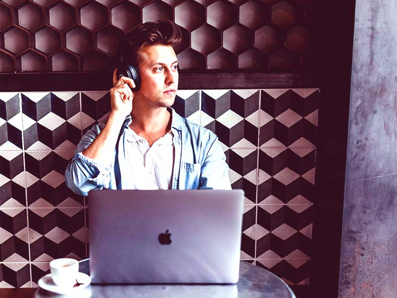 La relation client à distance est devenue le nouveau maître-mot dans le cadre de la COVID-19. Prenez les devants avec Maroccallcenter et anticipez la manière dont les clients vont changer leurs habitudes d'achat.