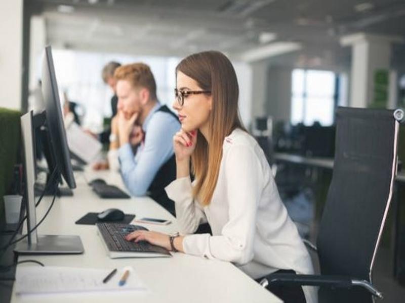 La loi établie par l'État qui freine le démarchage téléphonique dansles centres d'appels a été annulée. Désormais, cette activitépeut reprendre normalement.