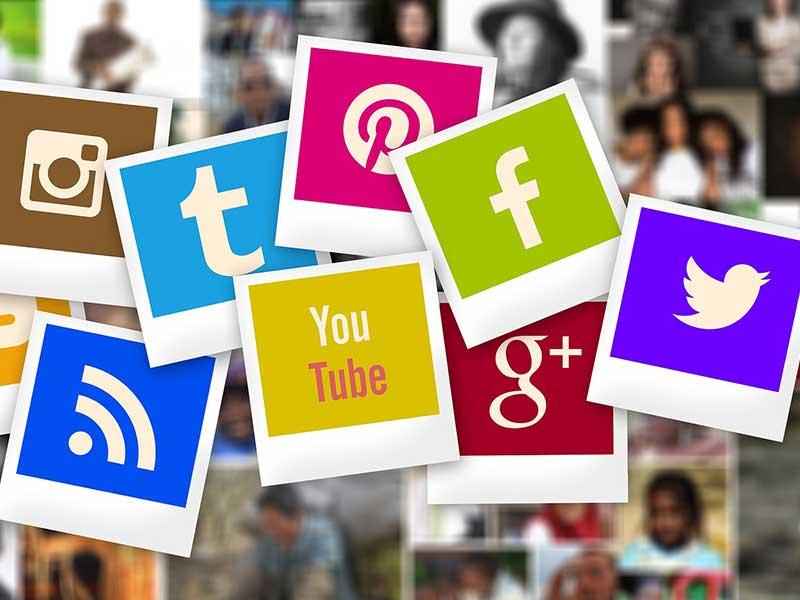 Les réseaux sociaux sont les outils de communication les plus rapides pour promouvoir vos services ou produits et échanger avec votre clientèle.